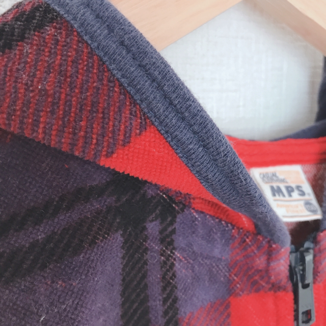 MPS(エムピーエス)のMPS パーカー 130 キッズ/ベビー/マタニティのキッズ服男の子用(90cm~)(ジャケット/上着)の商品写真