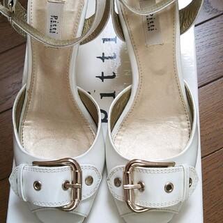 ピッティ(Pitti)のピッティ☆pitti☆サンダル☆21、5☆白☆三越購入☆小さいサイズ靴(サンダル)