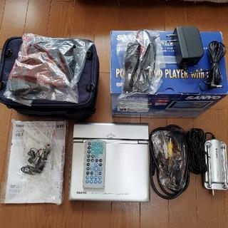 サンヨー(SANYO)のSANYO ポータブルDVDプレーヤー DVD-HP71T(S)(ポータブルプレーヤー)