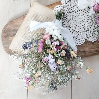 スイトピーと彩り小花の春色ナチュラルドライフラワースワッグ 花束 ブーケ(ドライフラワー)