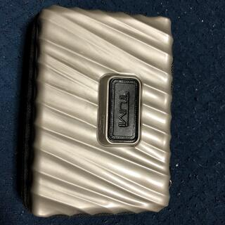 トゥミ(TUMI)のTUMI  トゥミ デルタワン アメニティ 新品未使用 ハード グレー(旅行用品)