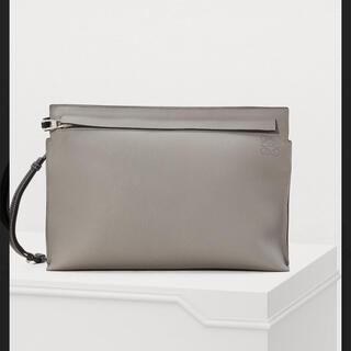 ロエベ(LOEWE)のロエベ LOEWE クラッチバッグ T Pouch Bag(クラッチバッグ)