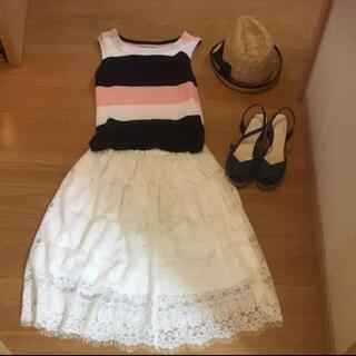 ジーユー(GU)の白レース スカート(ひざ丈スカート)