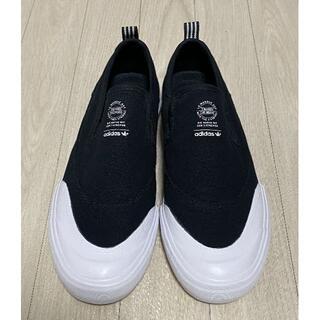 アディダス(adidas)のadidas アディダス MATCHCOURT SLIP コアブラック(スリッポン/モカシン)