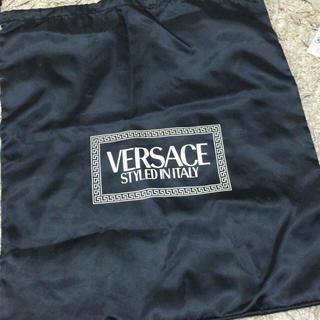 ヴェルサーチ(VERSACE)のVERSACE ヴェルサーチ 巾着袋(ポーチ)