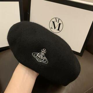 ヴィヴィアンウエストウッド(Vivienne Westwood)のVivienne Westwood ベレー帽 ブラック サイズ調整機能付き 新品(ハンチング/ベレー帽)