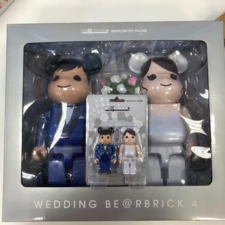 メディコムトイ(MEDICOM TOY)のBE@RBRICK グリーティング結婚 4 PLUS 400・100%セット (その他)