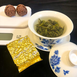 台湾産 極品阿里山烏龍茶(特級茶)75g 2020年産100%手摘み高山烏龍茶(茶)