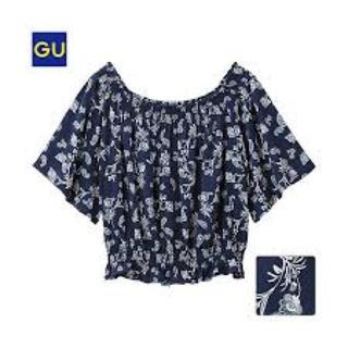 ジーユー(GU)のペイズリーオフショルダートップス(シャツ/ブラウス(半袖/袖なし))