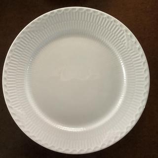 ロイヤルコペンハーゲン(ROYAL COPENHAGEN)のロイヤルコペンハーゲン ホワイト フルーテッド ハーフレース プレート(食器)