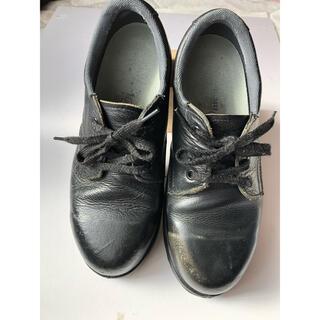 ミドリアンゼン(ミドリ安全)のMIDORI : ミドリ 安全靴 送料込み 女性サイズ 24㎝ 幅広 EEE(その他)