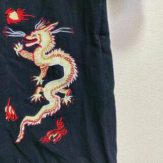 ビームス(BEAMS)の新品・未使用 ドッキング 切り返し ドラゴン刺繍 チャイナ コート 黒(チェスターコート)