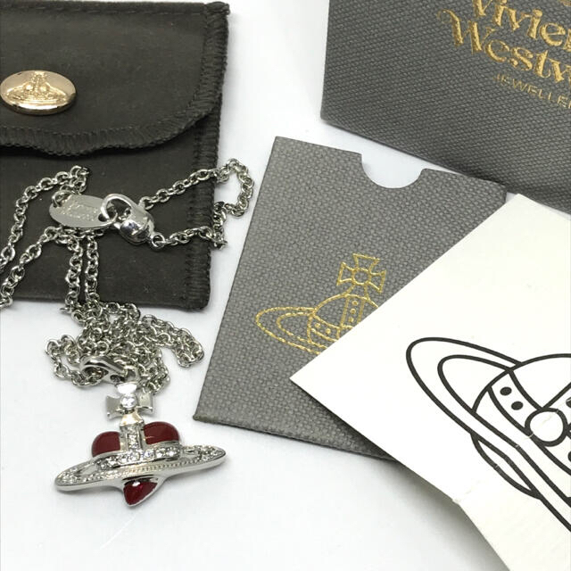 Vivienne Westwood(ヴィヴィアンウエストウッド)のヴィヴィアン ディアマンテ ハート ネックレス レッド レディースのアクセサリー(ネックレス)の商品写真
