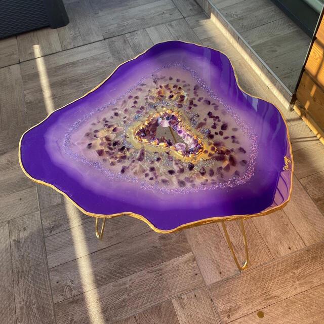 ハンドメイド アメジストテーブル 納期3週間くらい アメジストドーム インテリア/住まい/日用品の机/テーブル(ローテーブル)の商品写真
