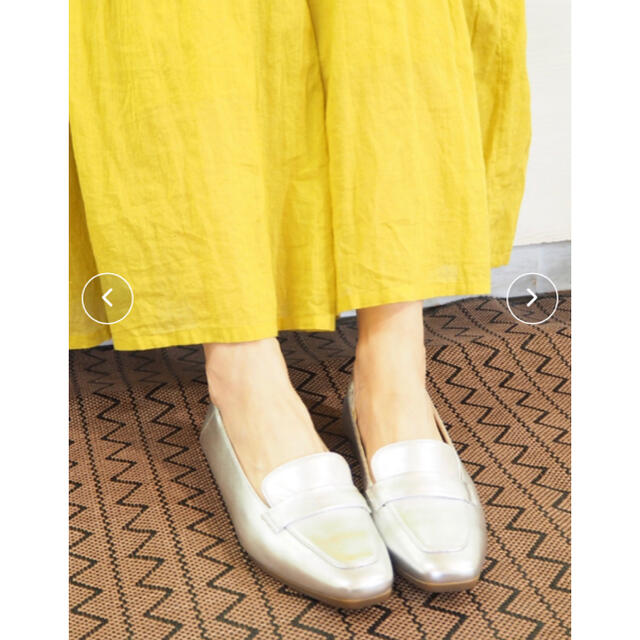 cavacava(サヴァサヴァ)の本革〈cava cava 〉スクエアトゥローファー レディースの靴/シューズ(ローファー/革靴)の商品写真