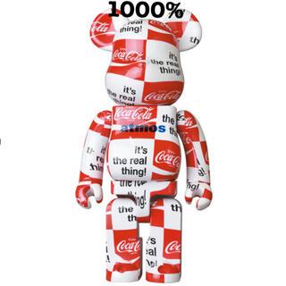 メディコムトイ(MEDICOM TOY)の新品未開封!ベアブリック1000%atmos x Coca Cola(キャラクターグッズ)