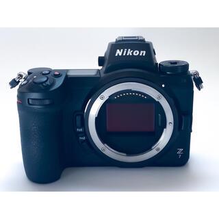 ニコン(Nikon)のニコン Z7 ボディ美品 おまけ付(ミラーレス一眼)