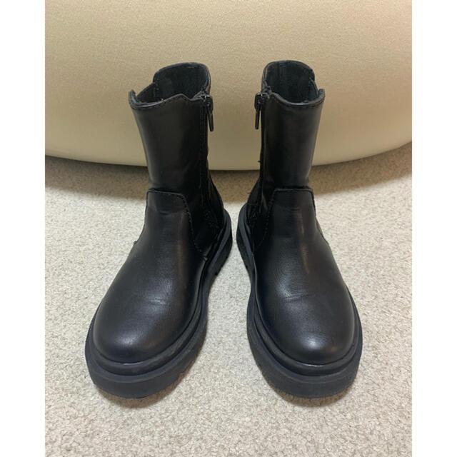 ZARA KIDS(ザラキッズ)のZARA kids ゴム入りトラックソールアンクルブーツ 17cm 美品 キッズ/ベビー/マタニティのキッズ靴/シューズ(15cm~)(ブーツ)の商品写真