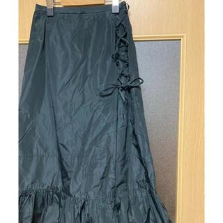 左サイド切り替えのスカート(ロングスカート)