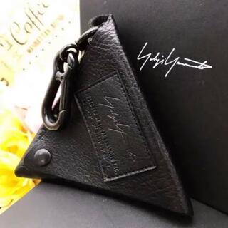 ヨウジヤマモト(Yohji Yamamoto)のヨウジヤマモト コインケース トライアングル 小銭入れ  S310(その他)