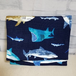 サメ柄移動ポケット(外出用品)