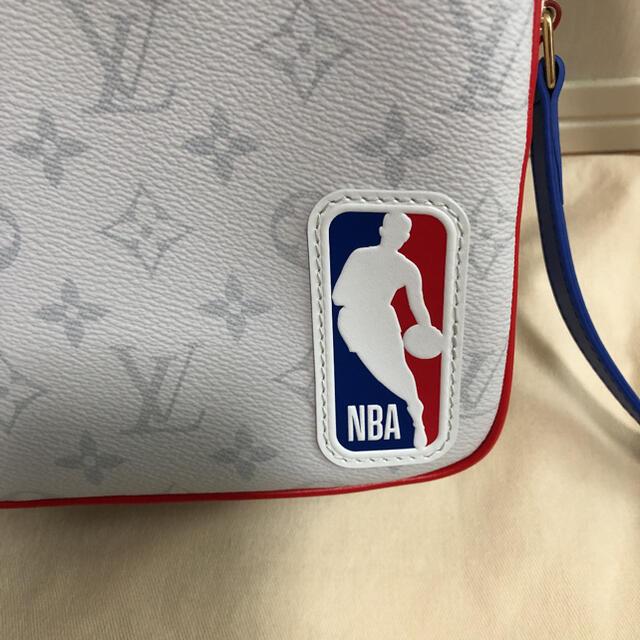 LOUIS VUITTON(ルイヴィトン)の値下げ 新品未使用 ルイヴィトン NBA メッセンジャー メンズのバッグ(メッセンジャーバッグ)の商品写真
