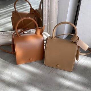 ヌナ(nuna)の2way box bag ブラウン 新品(ハンドバッグ)