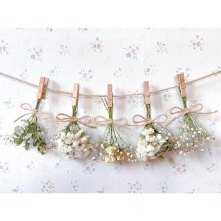 ホワイトバラとかすみ草とユーカリのドライフラワーガーランド♡スワッグ♡ミニブーケ(ドライフラワー)