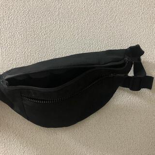 ジーユー(GU)のバッグ gu(ボディバッグ/ウエストポーチ)