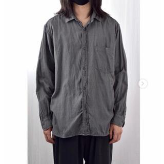 コモリ(COMOLI)のCOMOLI 21ss ヨリ杢シャツ Gray サイズ2  新品未使用(シャツ)