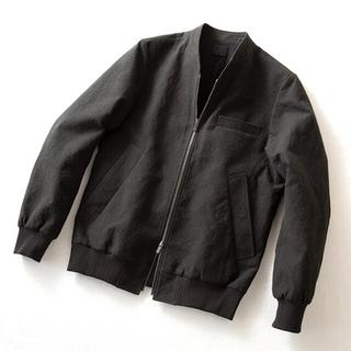 コモリ(COMOLI)の山内・リブノーカラージップジャケット(ノーカラージャケット)