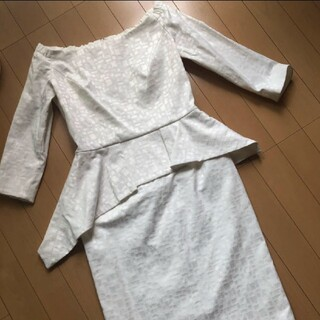 グレースコンチネンタル(GRACE CONTINENTAL)のGOLDIE・H☆ペプラムワンピース(その他ドレス)