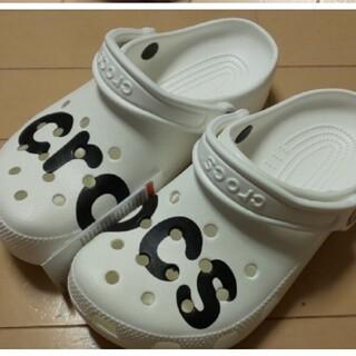 crocs - 残1 crocs サンダル 白 26