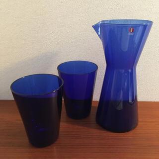 イッタラ(iittala)のカルティオ ピッチャー グラス コバルトブルー(グラス/カップ)