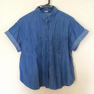 ジーユー(GU)の美品 デニムシャツ 半袖(シャツ/ブラウス(半袖/袖なし))