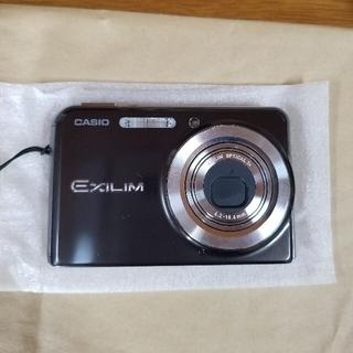カシオ(CASIO)のデジカメCASIOEXLIMEX-S880水中カバー付き(コンパクトデジタルカメラ)