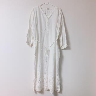 ザラ(ZARA)の新品未使用タグ付き 裾ボイル刺繍ワンピース(ロングワンピース/マキシワンピース)