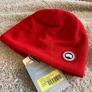カナダグース(CANADA GOOSE)の新品未使用‼︎タグ付 カナダグース ニット帽 赤(ニット帽/ビーニー)