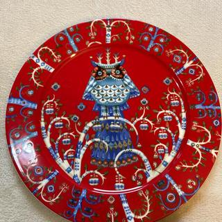 イッタラ(iittala)のイッタラタイカ プレート皿 27センチ 1枚レッド(食器)