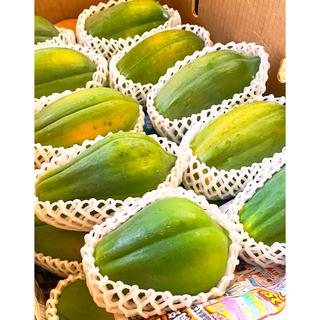 皮まで食べれる!石垣島産「フルーツパパイヤ」2kgまとめ売り(フルーツ)
