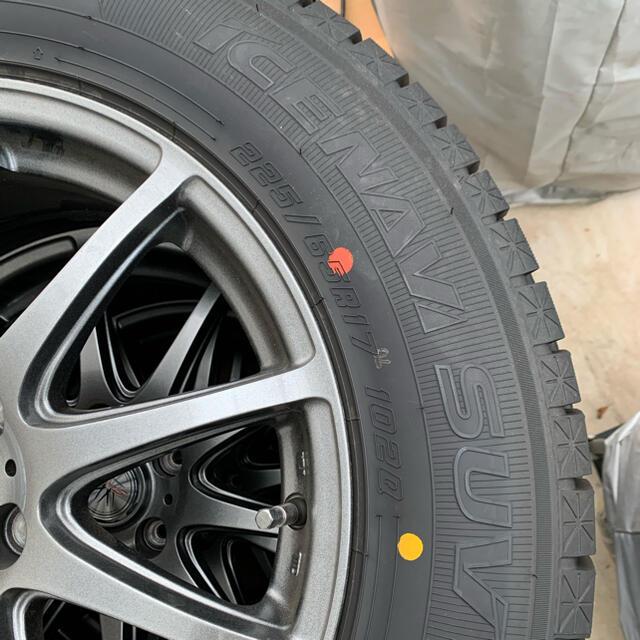 Goodyear(グッドイヤー)の17インチ/スタットレスタイヤ4本セット 自動車/バイクの自動車(タイヤ・ホイールセット)の商品写真