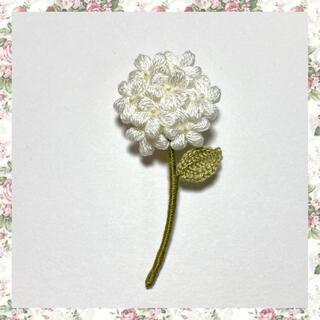 フラワーブローチ*一輪の花〜ホワイト(コサージュ/ブローチ)