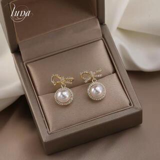 ヨンドシー(4℃)のribbon& pearl pierce★s925 post (ピアス)