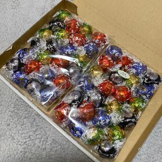 リンツ(Lindt)のリンツ リンドール シルバーアソート 600g 48個 箱無し(菓子/デザート)