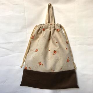 ワンコインSALE❗️お着替え袋(ローズプリント①)(外出用品)