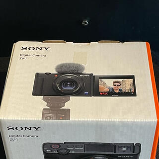 ソニー(SONY)のSONY ソニー Vlog カメラ VLOGCAM ZV-1 新品未使用 保証書(コンパクトデジタルカメラ)