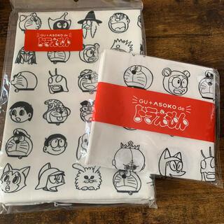 ジーユー(GU)の【新品】ドラえもん asoko クッションカバー ハンカチ 2点セット(クッションカバー)