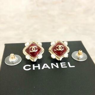 シャネル(CHANEL)の正規品 シャネル ピアス ココマーク ストーン 赤 石 パール ゴールド 真珠(ピアス)