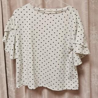 ジーユー(GU)のホワイトドット柄 トップス(Tシャツ(半袖/袖なし))