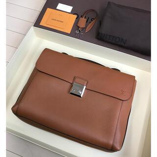 ルイヴィトン(LOUIS VUITTON)のLouis Vuitton Dorian トリヨンレザー ブリーフケース(ビジネスバッグ)